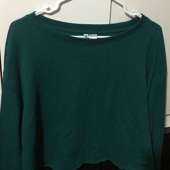 H&M Tops - Green H&M Sweatshirt